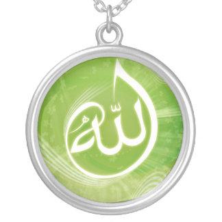 Allah-Kalligraphiegrünhalskette Versilberte Kette