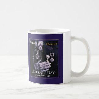 Alle ehren, die Veteranen-TagesTasse dienten Kaffeetasse