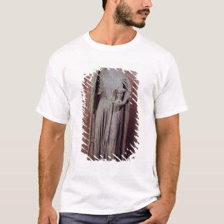 Allegorische Zahl der Kirche einen Chalice halten T-Shirt