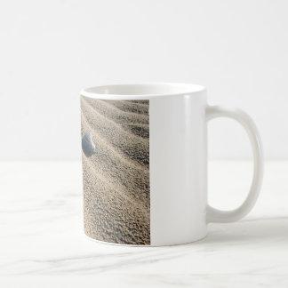 Alleiner Strand Kaffeetasse
