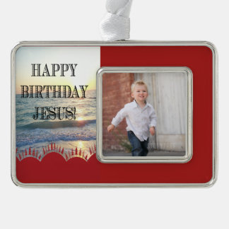 Alles Gute zum Geburtstag Jesus über dem Ozean Rahmen-Ornament Silber