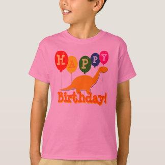 Alles Gute zum Geburtstag steigt Dinosaurier im T-Shirt
