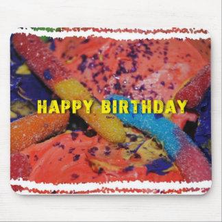 Alles- Gute zum Geburtstagkleine kuchen und Mousepads