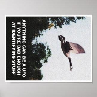 Alles kann ein UFO sein (Mini) Poster