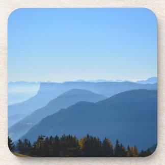 Alpiner Morgen-Nebel Getränkeuntersetzer
