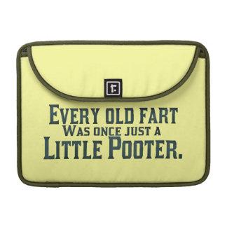 Alte Furz - wenig Pooter Sleeve Für MacBooks