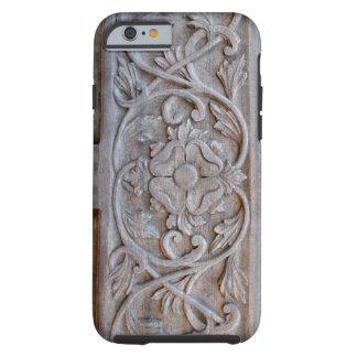 Alte geschnitzte hölzerne Tür Scrollwork Tough iPhone 6 Hülle