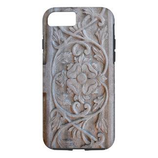 Alte geschnitzte hölzerne Tür Scrollwork iPhone 7 Hülle