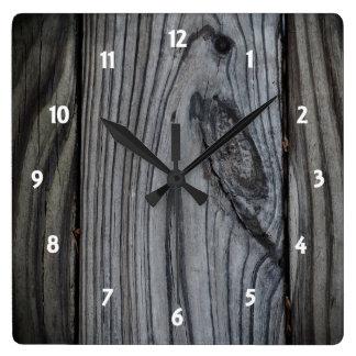 Alte hölzerne Planken-Uhr Quadratische Wanduhr