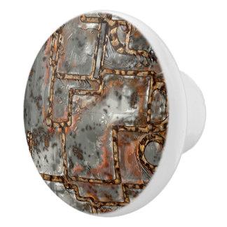 Alte Metallwand A Keramikknauf