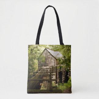 Alte Mühle in der rauchigen GebirgsTaschen-Tasche Tasche