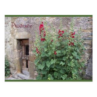 Alte Tür mit rotem honeysuccle, Provence-Postkarte Postkarte
