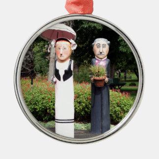 Alte verheiratete Paarskulpturen Silbernes Ornament