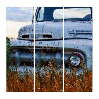 alter Bauernhof-LKW getan auf Acryl Triptychon