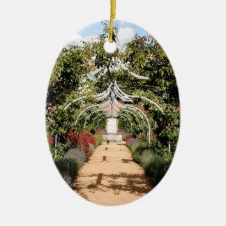 Alter englischer Garten Ovales Keramik Ornament