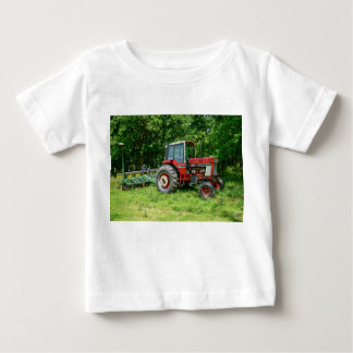 Alter internationaler Traktor Baby T-shirt