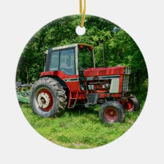 Alter internationaler Traktor Keramik Ornament