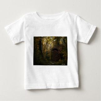 Alter Krypta-Herbst Baby T-shirt