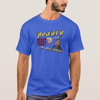 Alter Mann, den Schönheit kann, die in meinem T-Shirt
