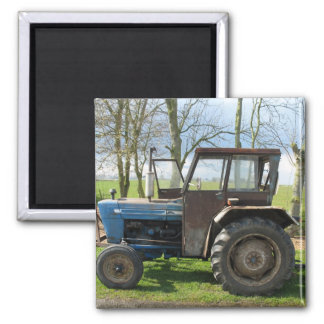 Alter Traktor im niederländischen Quadratischer Magnet