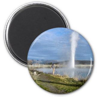 Alter unaufhörlicher Geysir - runder Magnet Runder Magnet 5,7 Cm