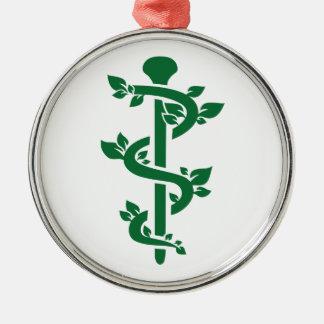 Alternativer Praktiker Rundes Silberfarbenes Ornament