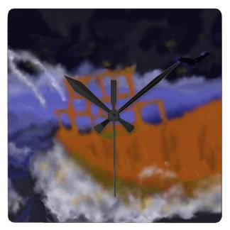 Altes Boot in der Sturm-Kunst Quadratische Wanduhr