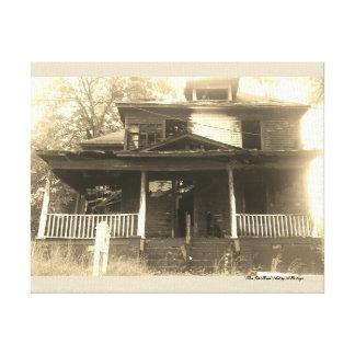 Altes gebranntes Haus-Bild Leinwanddruck