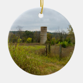 Altes Land-Silo-Landschaft Rundes Keramik Ornament