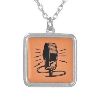 Altes Mikrofon Versilberte Kette