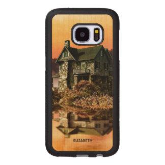 Altes Vintages Haus auf nebelhaftem See an der Samsung Galaxy S7 Holzhülle