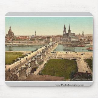 Altstadt Dresden gesehen vom Ministerium des Kri Mauspad