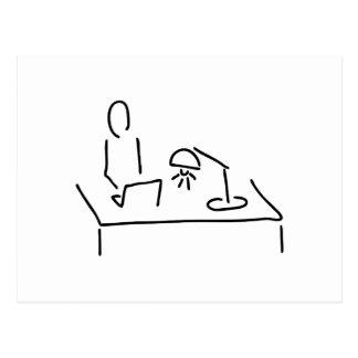 Am Schreibtisch mit Laptop Notebook Postkarte