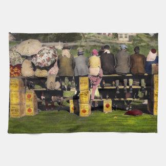 Americana - Leute - ein gut geöltes Spiel 1932 Handtuch