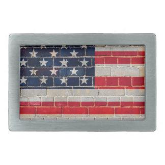 Amerika-Flagge auf einer Backsteinmauer Rechteckige Gürtelschnalle