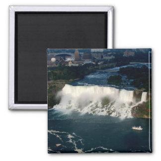 Amerikaner Niagara Falls: Luftaufnahme von Skylon Quadratischer Magnet