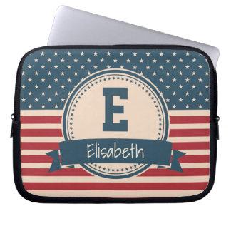 Amerikaner spielt patriotisches Flaggenmonogramm Laptopschutzhülle
