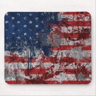 Amerikanische Flagge gemalt auf Schmutz-Wand Mousepad