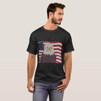 Amerikanische Flagge mit Weißkopfseeadler T-Shirt