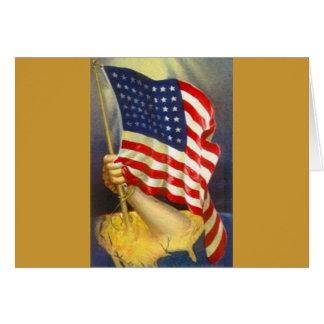 Amerikanische Flagge stolz gehalten