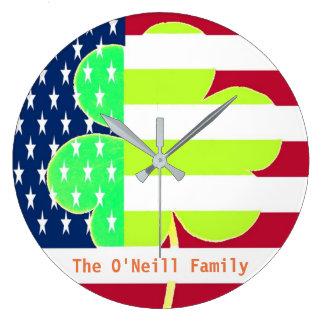 Amerikanische Flaggen-irischer Kleeblatt-Klee St Große Wanduhr