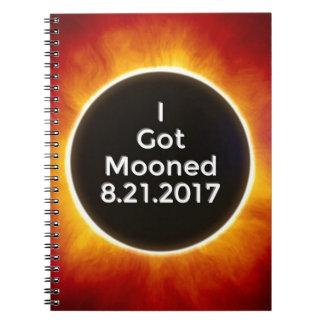 Amerikanische Sonnenfinsternis erhält Mooned am Notizblock