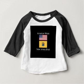 """""""Amerikanisches geborenes. New-Jersey züchtete"""" Baby T-shirt"""