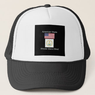 """""""Amerikanisches geborenes. Rhode Island züchtete"""" Truckerkappe"""