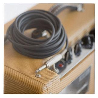 Ampere und Kabel Große Quadratische Fliese