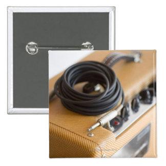 Ampere und Kabel Quadratischer Button 5,1 Cm