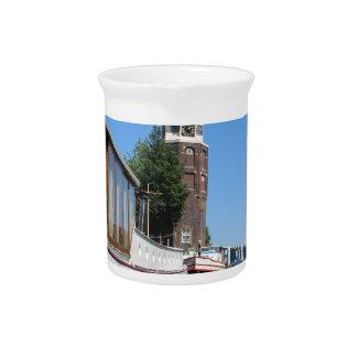 Amsterdam-Kanalansicht - Boote und Helm Getränke Pitcher