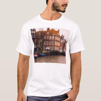 Amsterdamkanal und -architektur T-Shirt