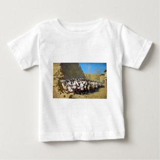 An den Festungs-Wänden: Herein gelassen ihnen! Baby T-shirt