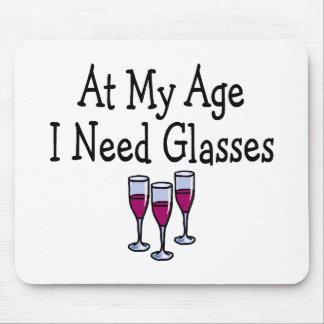An meinem Alter benötige ich Gläser Mauspads